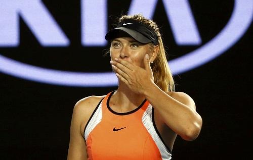 Sharapova gặp rất nhiều khó khăn trong set hai. Ảnh: Reuters.